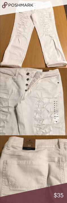 NWT American Eagle Tomgirl Distressed Jeans NWT American Eagle Jeans Tomgirl Distressed White, size 12 long American Eagle Outfitters Jeans Boyfriend