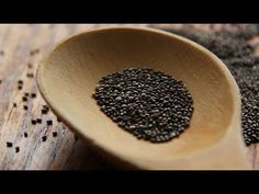 Learn more about the many health benefits of the chia seed and discover some delicious recipes to introduce chia to your diet. Chia Benefits, Health Benefits, Health Snacks, Health Eating, Diet Soup Recipes, Healthy Recipes, Delicious Recipes, Paleo Food, Image Healthy Food