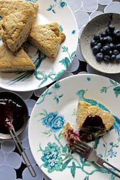 Make your mom (or yourself!) these insane almond blueberry scones | Desiree Nielsen, Vancouver Dietitian