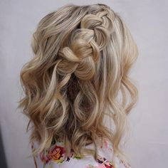 This is easily one of my favorite styles on shoulder length hair. So cute on one of my bridesmaids today!