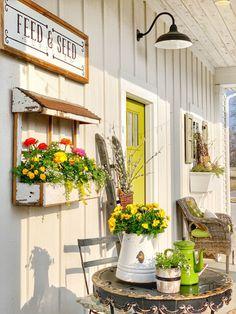 Outdoor Rooms, Outdoor Living, Outdoor Decor, Outdoor Ideas, Porch Wall Decor, Country Porch Decor, Country Porches, Country Farm, Front Porches