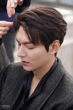 """Vẫn biết Lee Min Ho là nam thần bậc nhất xứ Hàn nhưng góc nghiêng và sống mũi cực phẩm này lại khiến fan nữ """"đứng tim"""" - Ảnh 3. Jung So Min, Asian Actors, Korean Actors, Lee Min Ho Hairstyle, Lee Min Ho Wallpaper Iphone, Le Min Hoo, Lee And Me, Lee Min Ho Photos, Park Shin Hye"""