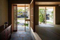 Image 7 of 12 from gallery of House with a Doma Salon / Takashi Okuno Architectural Design Office. Photograph by Shigeo Ogawa