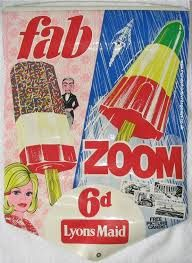"Fab and Zoom.we used to call the Zoom ""a rocket ice lolly"" :) Retro Ads, Vintage Advertisements, Vintage Ads, Vintage Posters, Vintage Food, Vintage Music, Vintage Images, 1970s Childhood, My Childhood Memories"