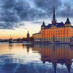 Wow! Great shot of Riddarholmen by @ringphoto  #stockholm_insta