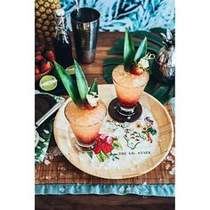 Pineapple Coconut Champagne Cocktail and My Top 10 Recipes of 2013 Kalua Pork, Pineapple Coconut, Champagne Cocktail, Summer Drinks, Clean Eating Snacks, Hibiscus, Rum, Cocktails, Thing 1