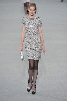 Chanel Spring 2009 Ready-to-Wear Fashion Show - Tereza Cervenova