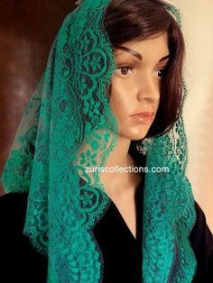 Model: Lace/Encaje  Material: Leavers Color: Mint/ Menta Size: 115 x 60 cm  Made in: Spain/España  TOP quality Volart Leavers veil. It will frame your face, head and shoulders beautifully with its soft and light texture.  Velo de alta calidad Marca Volart Leavers de encaje Espanol. Este velo se conforma a su cuerpo y es muy suave y con efecto de poco peso.
