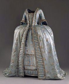 Robe réalisée par Marie-Jeanne Rose Bertin