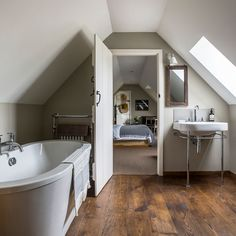 attic renovation master suite Turn Your Attic into the Bathroom of Your Dreams Today – Attic Basement Ideas Source by michael_albaugh Attic Master Bedroom, Attic Bedrooms, Bedroom Loft, Bungalow Bedroom, Attic Bedroom Designs, Attic Renovation, Attic Remodel, Bath Remodel, Loft Conversion Bedroom