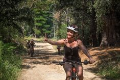 Our Constantia Ebike Tour will make you discover the oldest urban wine-making region of Cape Town behind Table Mountain with incredible landscape and views and historical wine farms Green Belt, Table Mountain, Cape Town, The Incredibles, Tours, Urban