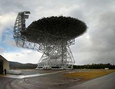 (via Green Bank Telescope) http://25.media.tumblr.com/8a795bf5f24308406a36449a59832f84/tumblr_mfa7izHMS51qb3zaio1_500.jpg