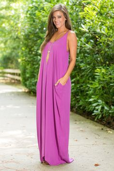 Regardless of event you are good to go in this flowy maxi dress! The color is a stunning choice for the season and we L-O-V-E that this easy-to-wear dress has pockets! It also has no lining which means no extra layer to hold in heat!