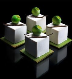 Dessert made of silicone mould: SILIKOMART PROFESSIONAL CUBE