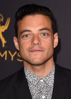 Rami-Malek-Mr-Robot-Television-Academy-Performers-Peer-Group-Celebration-Red-Carpet-fashion-Tom-Lorenzo-Site (4)