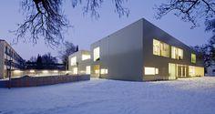 Kindergarten and after-school Care Center / Alexa Zahn architects