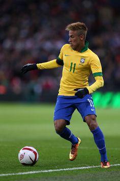 Neymar l Brazil Football Icon, Sport Football, Neymar Jr, Fc Barcelona, Barcelona Soccer, Sport Icon, Football Wallpaper, Sports Wallpapers, Beauty