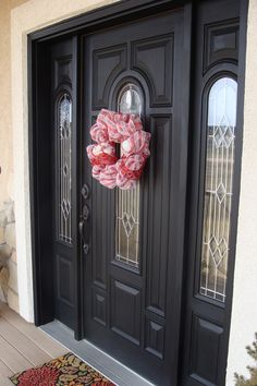 Chalkpaint painted front door using homemade chalkpaint (Calcium Carbonate method)