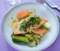 Appelsinmarineret laks | Opskrift til en sund kost Fish Dishes, Fish And Seafood, Potato Salad, Foodies, Protein, Food And Drink, Healthy Recipes, Healthy Food, Menu