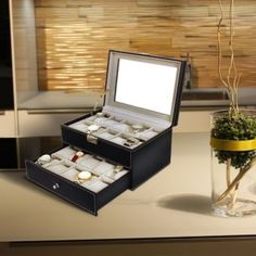 Elegante Uhrenbox  emilyliusongmics@gmail.com Elegant, Turntable, Swatch, Boxes, Dapper Gentleman, Crates, Box, Cubbies, Classy