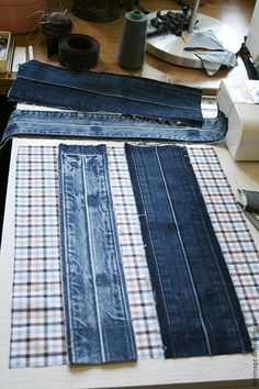 how to sew a stylish bag from old jeans. DIY Tutorial how to sew a stylish bag from old jeans. Denim Bags From Jeans, Artisanats Denim, Denim Purse, Diy Jeans, Sewing Patterns Free, Free Sewing, Denim Bag Patterns, Jeans Recycling, Blue Jean Purses