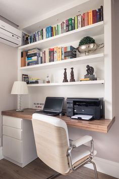Home Office Table, Home Office Bedroom, Room Design Bedroom, Home Office Setup, Home Office Space, Home Room Design, Home Interior Design, Bedroom Decor, Home Library Design