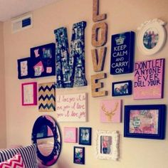 Photo Wall Ideas - 37 Picture Gallery Wall Layout Ideas For The Perfect Family Photograph Accent Wall Gallery Wall Layout, Gallery Walls, Kids Living Rooms, Display Family Photos, Dorm Room Walls, College Dorm Decorations, Inspiration Wall, Wall Ideas, Decor Ideas