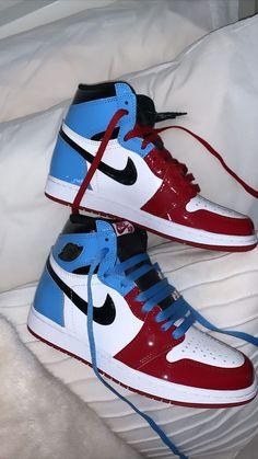 Jordan Shoes Girls, Girls Shoes, Sneakers Fashion, Fashion Shoes, Shoes Sneakers, Tenis Vans, Vetement Fashion, Nike Air Shoes, Aesthetic Shoes