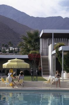 """Palm Springs - Sunny day in """"The Kaufmann Desert House"""" in Palm Springs, CA. Photographed by Slim Aarons. http://www.resee.com/inspiration-palm-springs.html"""