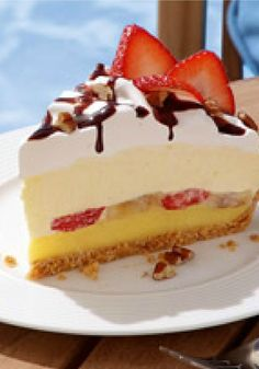 Banana Split Pie – Vanilla pudding, fresh banana slices and strawberries, a layer of COOL WHIP, chocolate drizzle and nuts. With a pie like this, who needs ice cream?