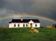 Malin, Inishowen a fantastic cottage on the Wild Atlantic way. Ireland, This Is Us, Cottage, Ocean, Cabin, Vacation, House Styles, Home, Vacations