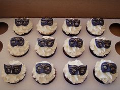 Masquerade Cupcakes Cake   ... masquerade cupcakes photo by Mossy's Masterpiece cake/cupcake designs