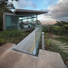Image 1 of 23 from gallery of Room and Ficus  / Cañas Arquitectos. Photograph by Jordi Miralles