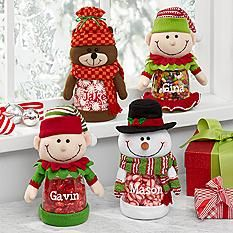 Make holiday treats extra sweet with this fun jar, decorated with a plush Christmas character. It will be an annual favorite whether it's empty or filled with cookies or snacks. Family Christmas Ornaments, Noel Christmas, Vintage Christmas, Personalized Christmas Gifts, Diy Christmas Gifts, Christmas Projects, Holiday Treats, Christmas Treats, Christmas Candy