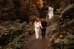 These Oregon maternity photos at Silver Falls will give you all the dreamy inspiration for your own maternity session! Alyssa and Kelii were the sweetest!   I'm Monique, an Oregon family photographer & Oregon maternity photographer, and I'd love to photograph your next family photos!! Maternity Photo Outfits, Maternity Photos, Maternity Photographer, Maternity Session, Pregnancy Photos, Family Photographer, Silver Falls, Anniversary Photos, New Baby Boys