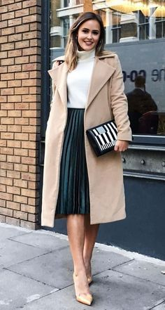 fall+outfit+idea+/+beige+coat+++white+top+++clutch+++midi+skirt+++heels Source by liparossle ideas hipster Midi Rock Outfit, Midi Skirt Outfit, Beige Skirt Outfit, Outfits Winter, Winter Skirt Outfit, Winter Rock, Winter White, Mode Rock, Long Skirt Outfits