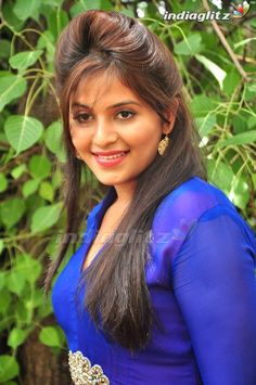 Anjali Indian Actress Hot Pics, Actress Photos, Indian Actresses, Beautiful Girl Indian, Most Beautiful Indian Actress, South Actress, South Indian Actress, Shiva Statue, Chiffon Saree