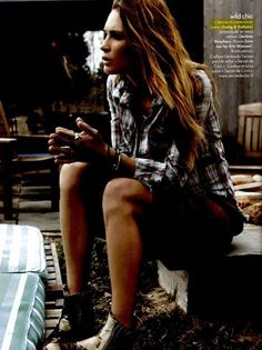 Erin Wasson / Plaid Shirt (Z & V) / Low Boots