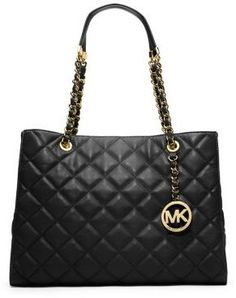 ce8a0a861ef7 Michael Kors Black Quilted leather purse Only worn a couple of times! Brand  new condition no damage or wear! I purchased it myself from the store not  an ...