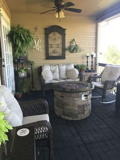44 Modern Farmhouse Front Porch Decor Ideas - Most of us love some great front porch ideas that are sure to make our home feel welcoming and cozy. Sometimes it is not easy trying to figure out the. Back Patio, Backyard Patio, Small Patio, Backyard Ideas, Patio Table, Diy Patio, Sloped Backyard, Small Terrace, Side Porch
