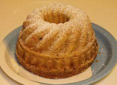 Gluteenitonta leivontaa: Gluteeniton hedelmäkakku Gluten Free Bakery, Bagel, Muffin, Bread, Breakfast, Food, Morning Coffee, Brot, Essen
