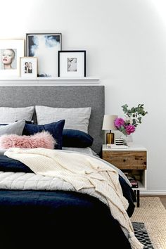 Gorgeous 100 Extremely Cozy Apartment Decorating Ideas https://lovelyving.com/2017/12/07/100-extremely-cozy-apartment-decorating-ideas/
