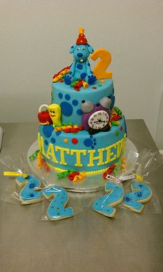 Blues Clues Birthday Cake and matching cookies by Little Sugar Bake Shop, via Flickr