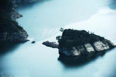 EPIRUS TV NEWS: Το νησί που εξαφανίζεται και αναδύεται στην επιφάν...