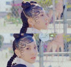 2NE1 - HAPPY MV