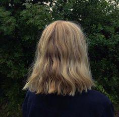 Simple blonde hair for September Cut My Hair, Her Hair, Hair Cuts, Messy Hairstyles, Pretty Hairstyles, Hair Inspo, Hair Inspiration, Dream Hair, Hair Day