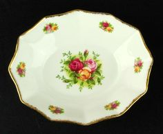 Rare Royal Albert Old Country Roses Oval Sweet Dish 1st Quality 1993-02 VGC