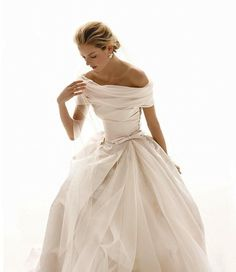 beautifully simple wedding dress