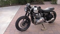 Triumph Bonneville T100 Modified by Nick Serrano – OTOMOTIF USA – Everything old is cool again