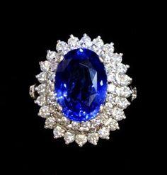 LADIES ESTATE 18KT GIA CEYLON SAPPHIRE & DIAMOND RING